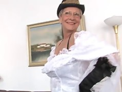 HORNY GERMAN HOUSEWIVES #4 - COMPLETE FILM -B$R