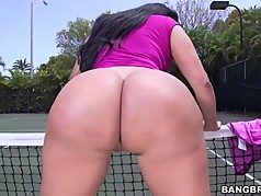 Huge ass Kiara Mia gets pounded at a tennis court