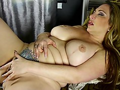Thick-lipped MOM with big ass and big fake tits