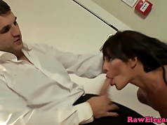 Deepthroating milf fucked deep in her ass