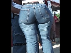 TIGHT THICK PUBLIC MILF IN TIGHT PANTS