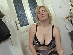 Mature big tit mother with hungry cunt