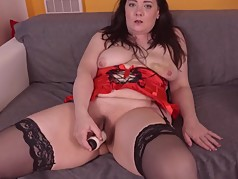 Amateur fat ass mature mother with hairy cunt