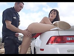MILF gets pulled over by cop