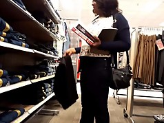 Ebony milf shopping