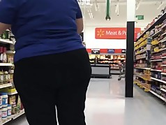 Phat booty Latina milf in love pants