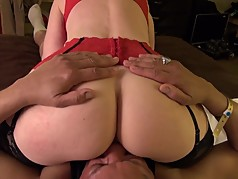 Nina Hartley teaches cunt sucking riding old dude's face