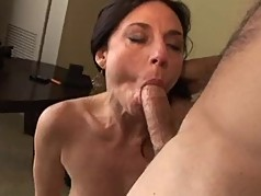 MILF loves it in her ass